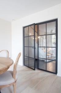 dubbele metalen deur